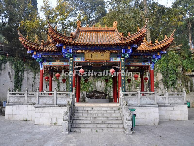 The Pavlion of Sacred Rhino in Kunming Bamboo Temple