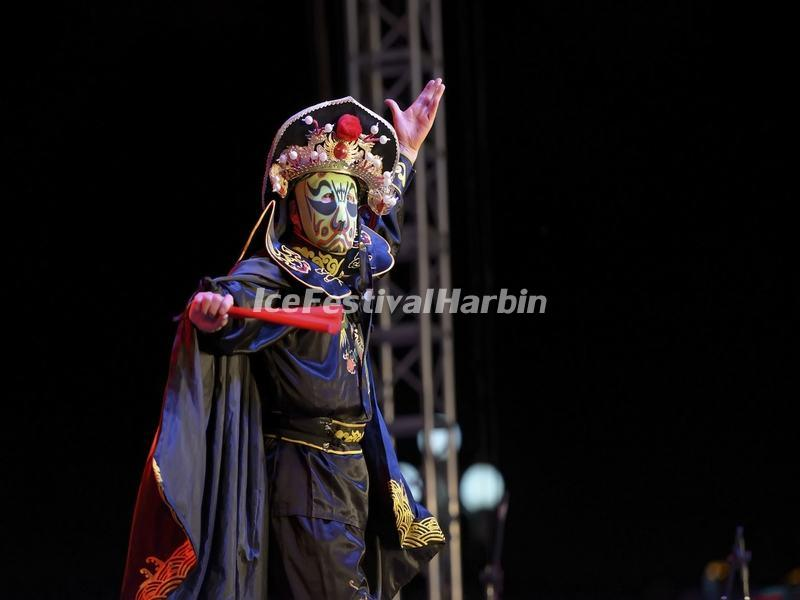 Chinese Face Changing Show in Sichuan Opera
