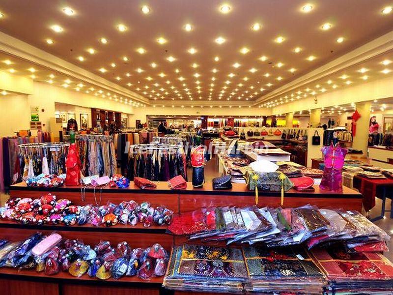 The Silk Products In Shanghai Jiangnan Silk Museum