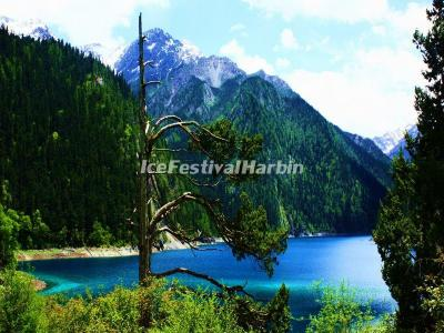 Long Lake in Jiuzhaigou