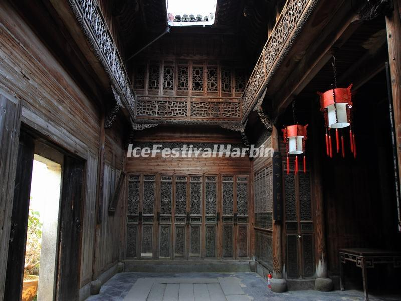 Huangshan Lucun Village Woodcutting House Inside