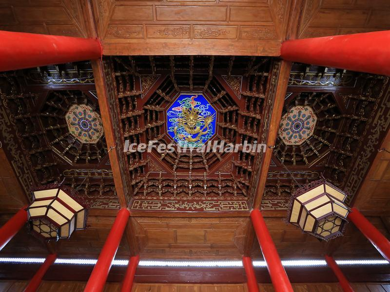 Ceiling of the Assembly Hall of Mu's Residence