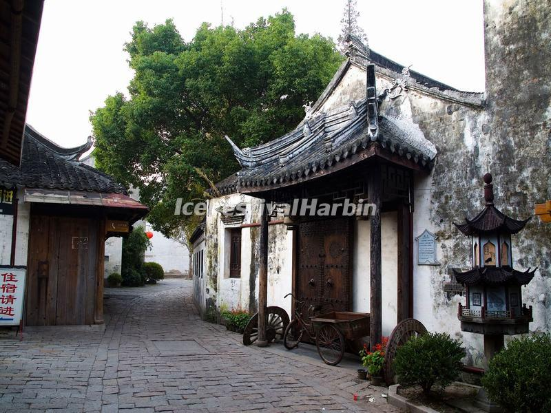 A Temple in Zhouzhuang Water Town